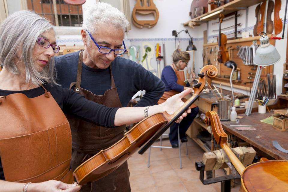 Violin makers